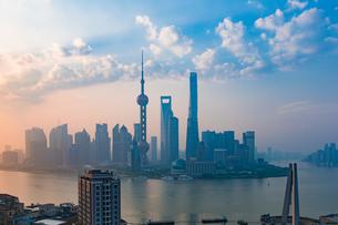 Shanghai city skylineの写真素材 [FYI02347728]