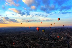 Hot Air Balloon,Turkeyの写真素材 [FYI02348115]