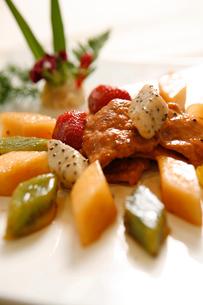 Fruit fried beefの写真素材 [FYI02348147]