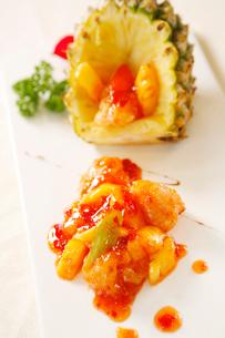 Pineapple fried porkの写真素材 [FYI02348186]