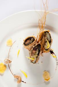 Crispy beef roll bananaの写真素材 [FYI02348226]