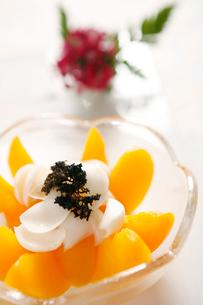 Peach fruit cupの写真素材 [FYI02348443]