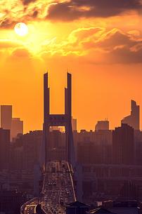 Silhouette of the Nanu Beidge; Shanghai; Chinaの写真素材 [FYI02348521]