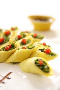 Caviar dish rollの写真素材 [FYI02348888]