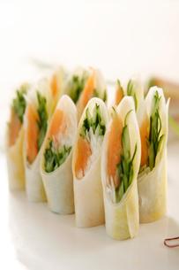 Salmon dish rollの写真素材 [FYI02349237]