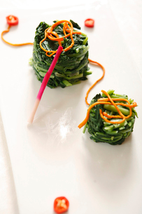 Spinach saladの写真素材 [FYI02349259]