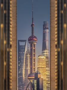 The Oriental Pearl,Chinaの写真素材 [FYI02349408]