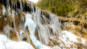 Winter in Jiuzhai,Sichuan,Chinaの写真素材 [FYI02349630]