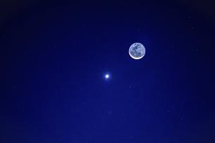 Stars and moonの写真素材 [FYI02349641]