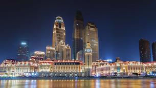 Nightscape of Jinwan Squareの写真素材 [FYI02349671]