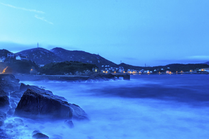 The sea at nightの写真素材 [FYI02349794]