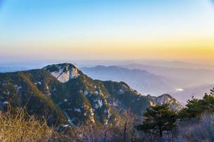 Good morning, Mount Tai,Taian,Shandong,Chinaの写真素材 [FYI02349818]