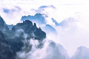 Big beauty Mount Huangshanの写真素材 [FYI02349830]