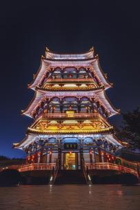 Night View of Wangchunge Pavilionの写真素材 [FYI02349850]