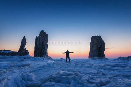 Embrace the extreme coldの写真素材 [FYI02349868]