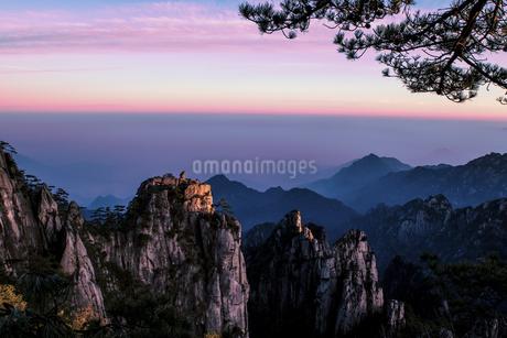 Big beauty Mount Huangshanの写真素材 [FYI02349905]