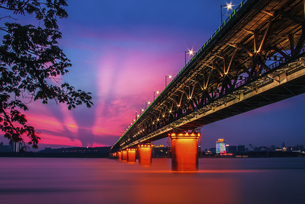 bridge, Wuhan,Hubei,Chinaの写真素材 [FYI02350088]