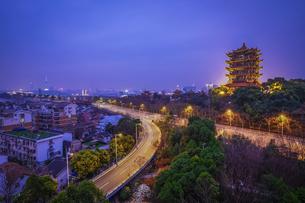 City Night Scenic Wuhan,Hubei,Chinaの写真素材 [FYI02350176]
