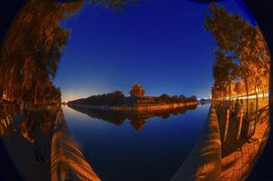 Night at the Forbidden City Corner,Beijing, Chinaの写真素材 [FYI02350379]