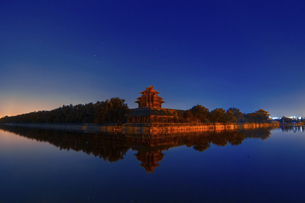 Night at the Forbidden City Corner,Beijing, Chinaの写真素材 [FYI02350462]