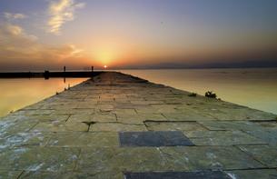 Dianchi sunrise,Yunnan,Chinaの写真素材 [FYI02350595]