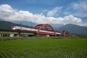 Hualien,Yuli,Kecheng Iron Bridgeの写真素材 [FYI02350714]
