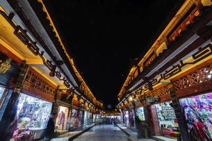 Dayan ancient town,Lijiang, Yunnan, Chinaの写真素材 [FYI02350857]