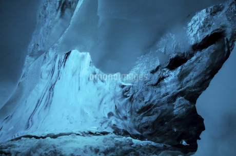 Ice crystal in ice cave in Vatnaj,Icelandの写真素材 [FYI02350988]