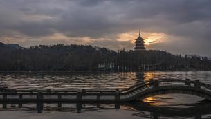 Leifeng Pagoda in Evening Glow,Chinaの写真素材 [FYI02350989]