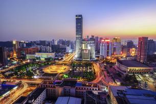 City Night Scenic Wuhan,Hubei,Chinaの写真素材 [FYI02351176]
