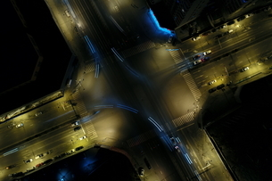 Night View of Urban Traffic Flowの写真素材 [FYI02351204]