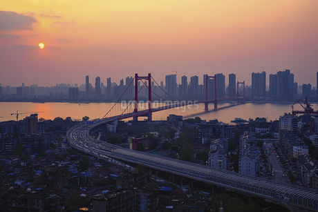 bridge, Wuhan,Hubei,Chinaの写真素材 [FYI02351246]