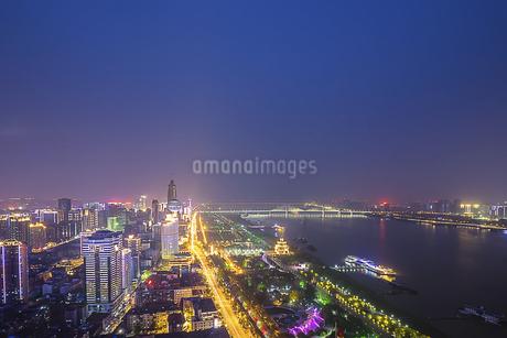 City Night Scenic Wuhan,Hubei,Chinaの写真素材 [FYI02351437]