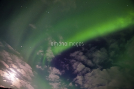 Northern light in Iceland (Aurora),Icelandの写真素材 [FYI02351446]