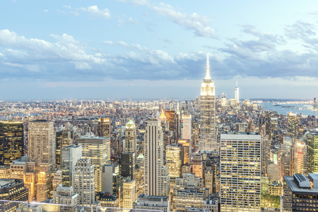 New York night scene,Manhattan, USA,の写真素材 [FYI02351739]