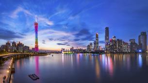 Guangzhou CBD Nightscape,Guangzhou,Guangdong,Chinaの写真素材 [FYI02351746]