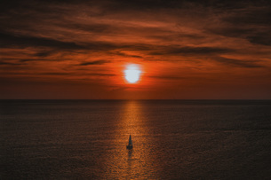Sailing alone,Thailand,の写真素材 [FYI02351777]