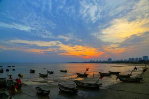 Setting sun,Chinaの写真素材 [FYI02351910]