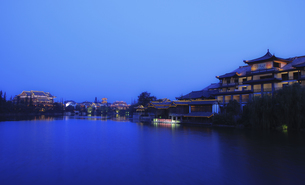 Taierzhuang at night,Shandong,Chinaの写真素材 [FYI02352110]