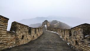 The Mutianyu Great Wall,Beijing, Chinaの写真素材 [FYI02352284]