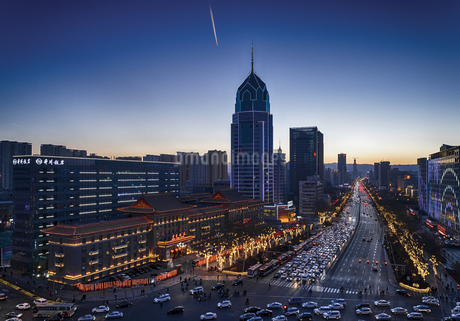 Taiyuan in the evening,Shanxi,Chinaの写真素材 [FYI02352286]