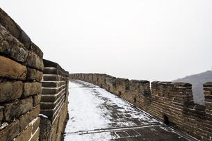 The Mutianyu Great Wall,Beijing, Chinaの写真素材 [FYI02352805]