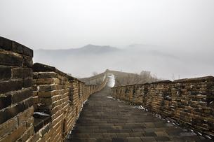 The Mutianyu Great Wall,Beijing, Chinaの写真素材 [FYI02352875]