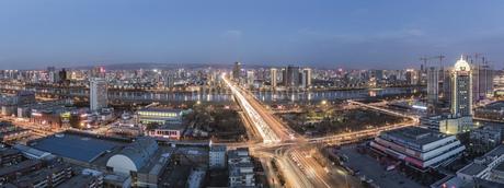 Taiyuan Yingze Bridge,Taiyuan,Shanxi,Chinaの写真素材 [FYI02352948]