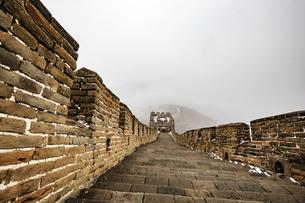 The Mutianyu Great Wall,Beijing, Chinaの写真素材 [FYI02352980]