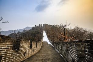 The Mutianyu Great Wall,Beijing, Chinaの写真素材 [FYI02353040]