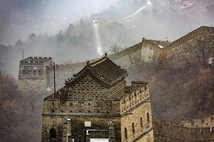 The Mutianyu Great Wall,Beijing, Chinaの写真素材 [FYI02353554]
