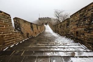 The Mutianyu Great Wall,Beijing, Chinaの写真素材 [FYI02353834]