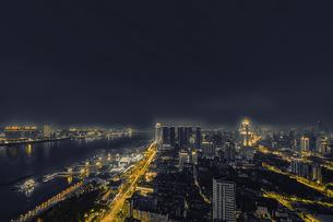the Main Axis of the Yangtze River in WuhanWuhan,Hubei,Chinaの写真素材 [FYI02353869]