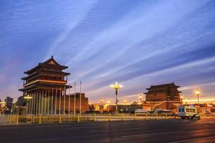 Zhengyang gate,Beijing, Chinaの写真素材 [FYI02353972]